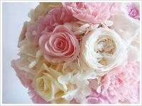 ブーケ、ウェディングアイテムは全てお花選びから。